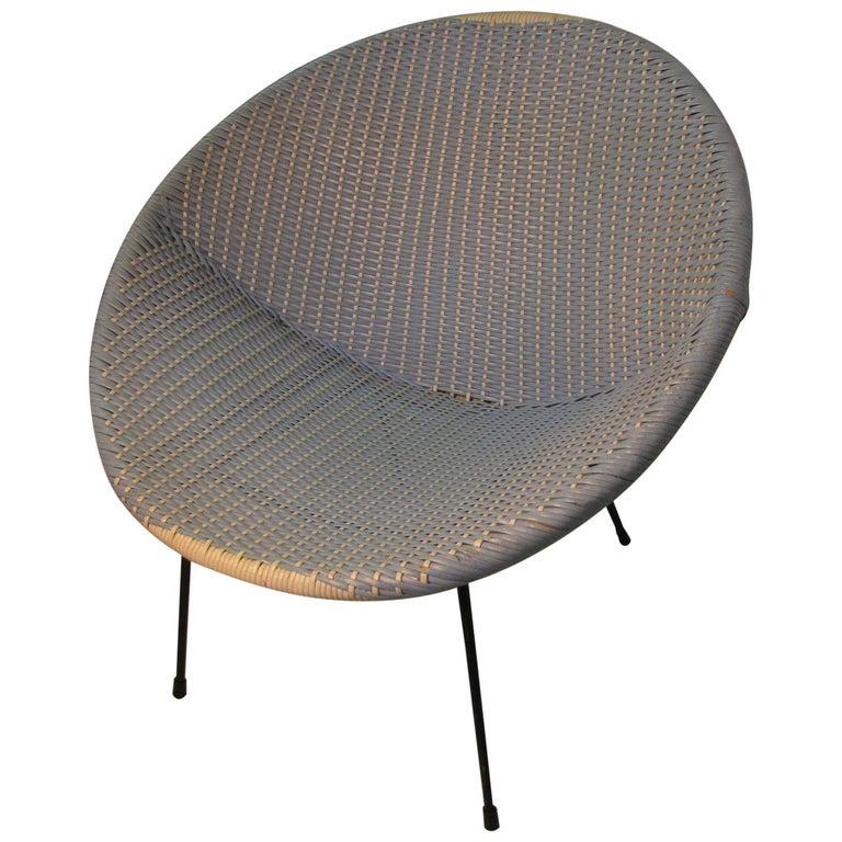Mid-Century Modern Wicker Hoop Lounge Chair     For Sale