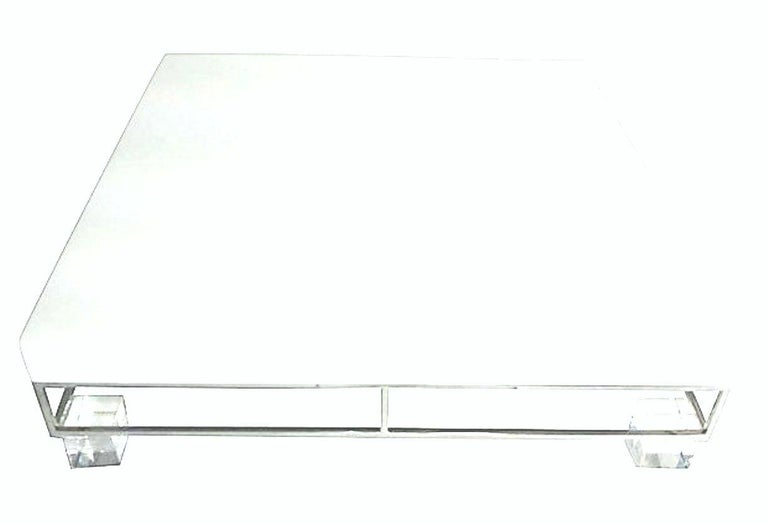 Mid-Century Modern Willy Rizzo Style Lacquered and Chrome Lucite Table In Good Condition For Sale In West Palm Beach, FL