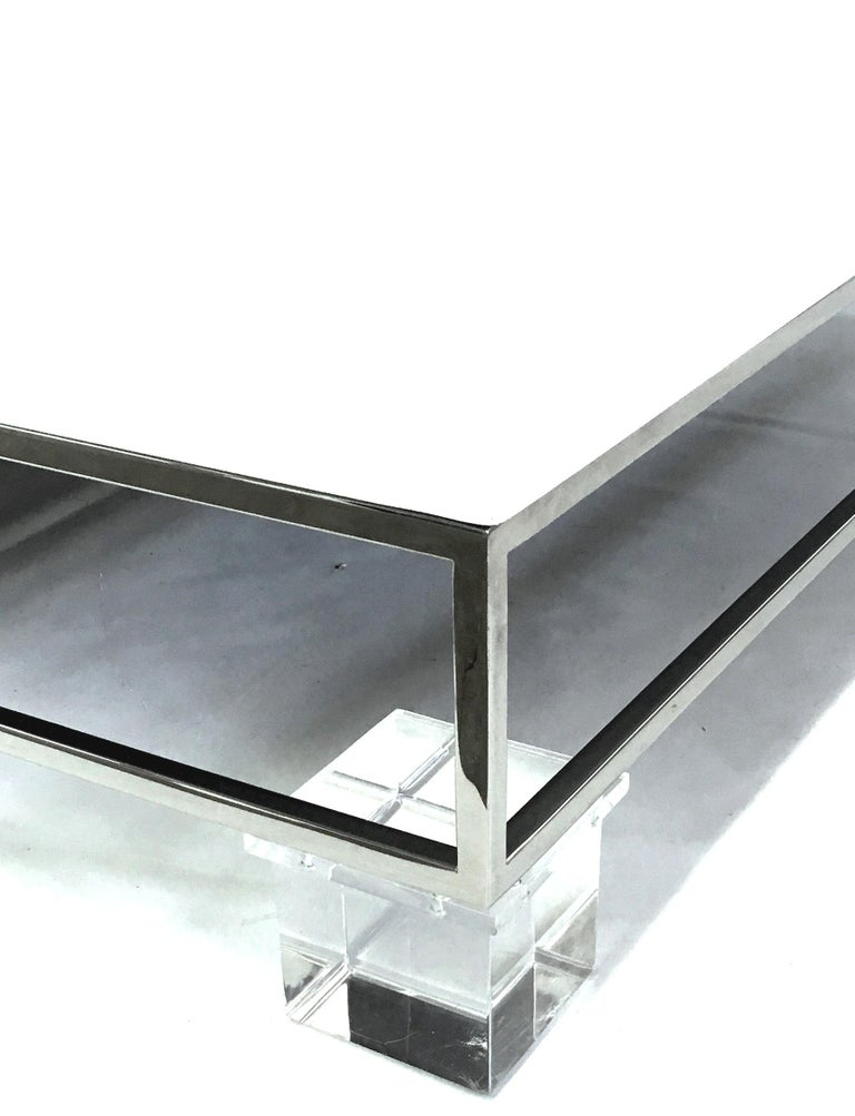 Mid-Century Modern Willy Rizzo Style Lacquered and Chrome Lucite Table For Sale 2