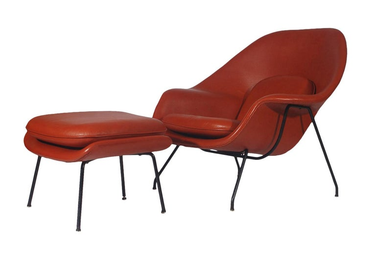 Mid-20th Century Mid-Century Modern Womb Chair and Ottoman by Eero Saarinen for Knoll in Leather For Sale