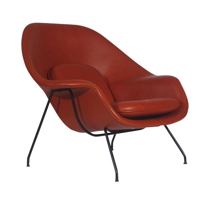 Steel Mid-Century Modern Womb Chair and Ottoman by Eero Saarinen for Knoll in Leather For Sale