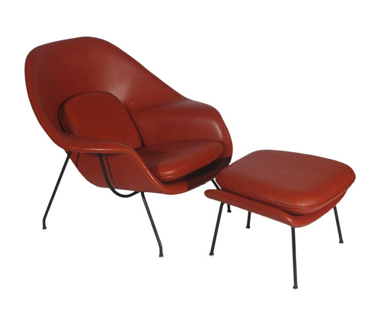 Mid-Century Modern Womb Chair and Ottoman by Eero Saarinen for Knoll in Leather For Sale 2