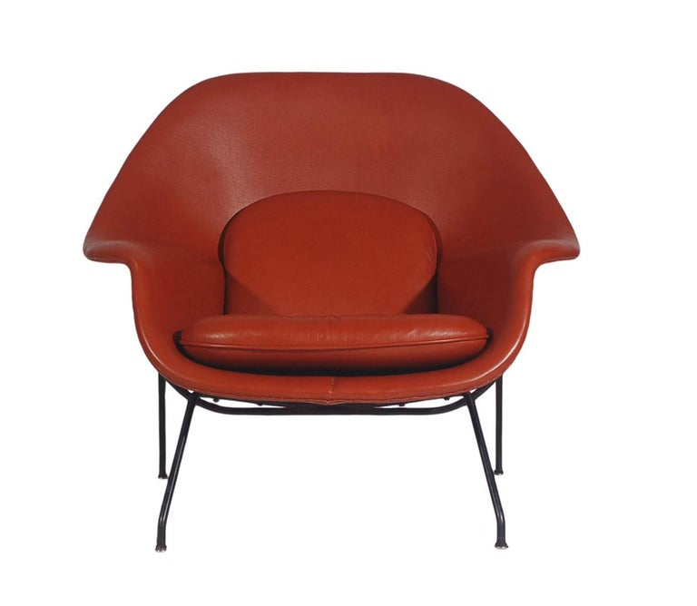 Mid-Century Modern Womb Chair and Ottoman by Eero Saarinen for Knoll in Leather For Sale 3