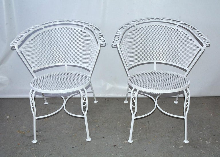 20th Century Mid-Century Modern Woodard Style Patio Dining Set For Sale