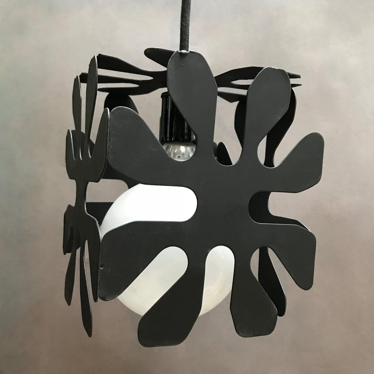 20th Century Mid-Century Modern Wrought Iron Cubed Flower Pendant Light For Sale
