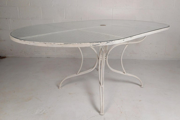 Mid-Century Modern Wrought Iron Patio Dining Table and Six Chairs For Sale 1