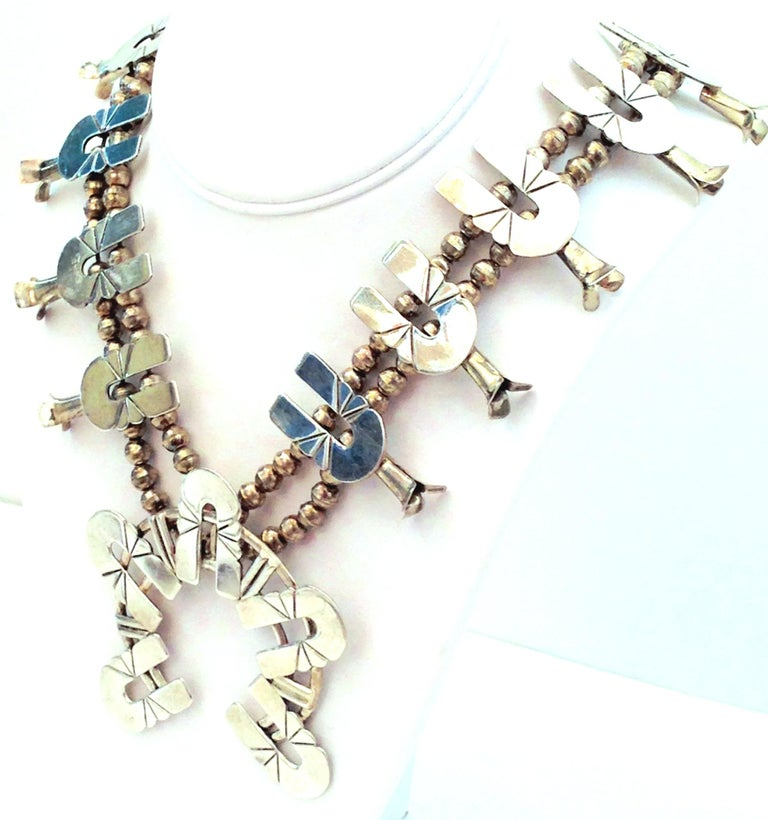 Mid-Century Modernist Sterling Silver Navajo Style Squash Blossom Necklace In Good Condition For Sale In West Palm Beach, FL