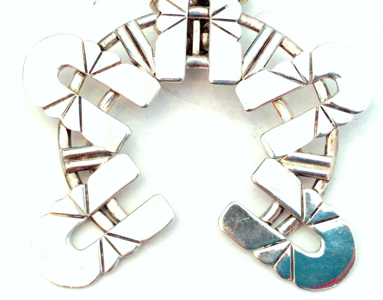 Mid-Century Modernist Sterling Silver Navajo Style Squash Blossom Necklace For Sale 1