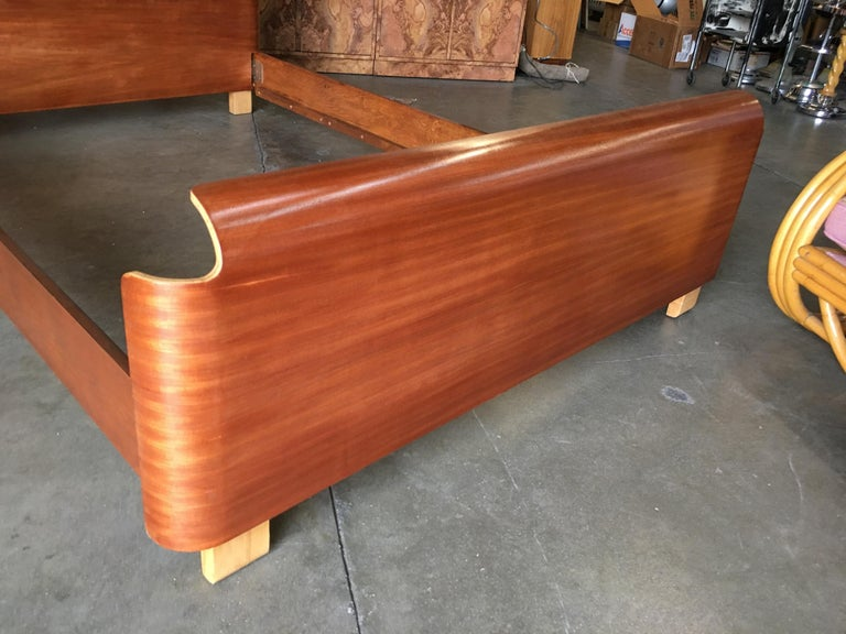 Mid-Century Modern Midcentury Molded Plywood Bed Frame For Sale