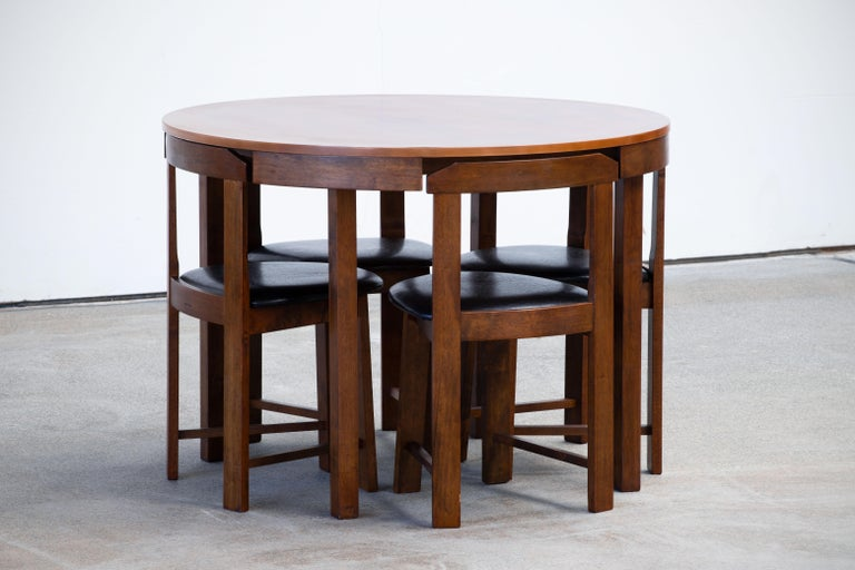Mid-Century Mordern Built in Table and Chairs Set In Good Condition For Sale In Wiesbaden, DE