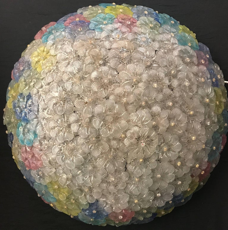 Mid-Century  Multicolor Flower Glass Ceiling Light 1950s by Barovier e Toso In Good Condition For Sale In Rome, IT