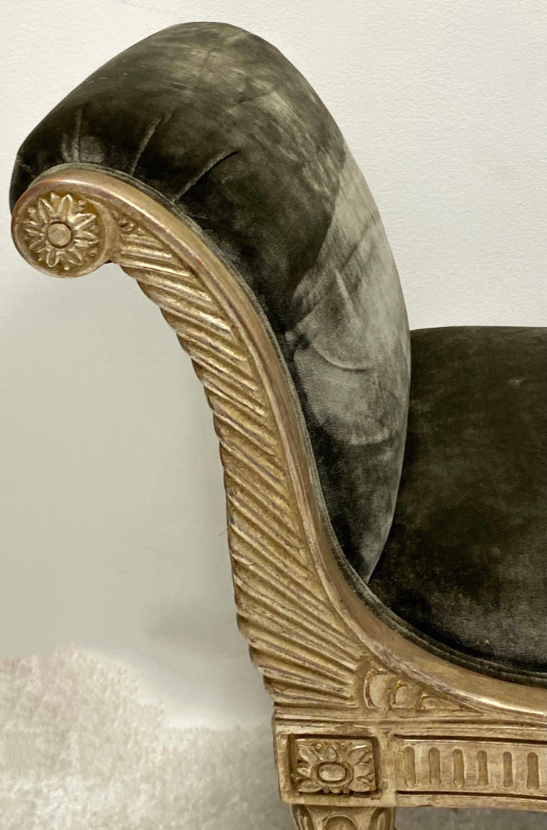 Midcentury Neoclassical Style Silver Giltwood Bench In Good Condition For Sale In Kennesaw, GA