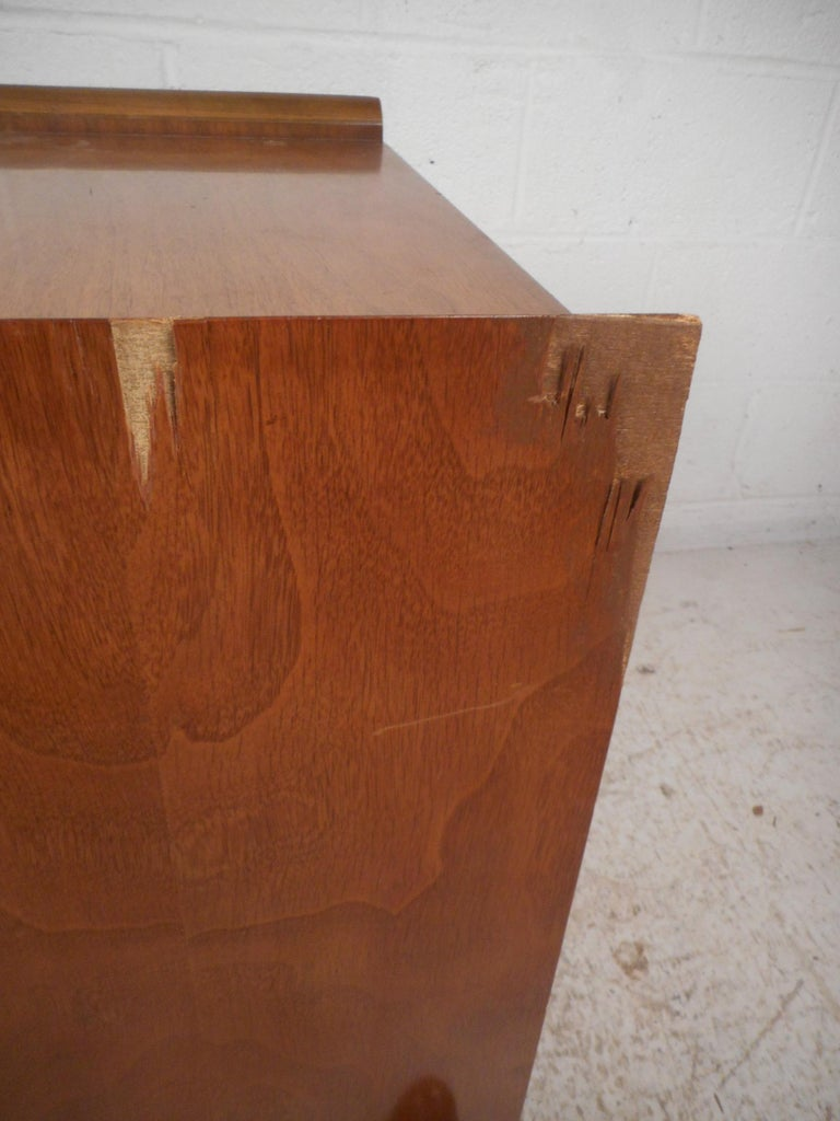 Midcentury Nightstands by Big Rapids Furniture Co., a Pair For Sale 5
