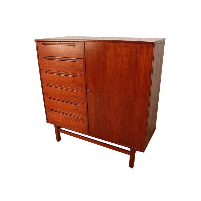 Midcentury Nils Jonsson Teak Tall Dresser Danish Modern In Good Condition For Sale In Baltimore, MD