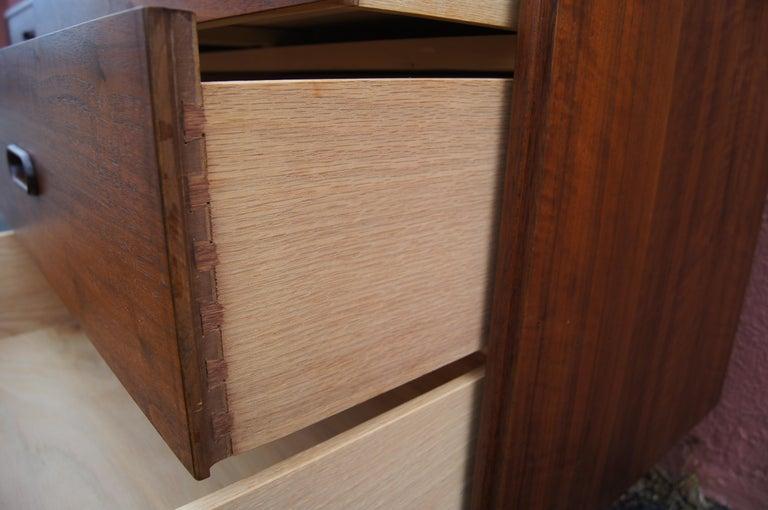 Mid-Century Nine-Drawer Teak Dresser For Sale 3