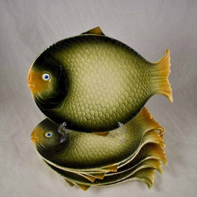 International Style Mid-Century Modern Era Northern Italian Faïence Majolica Fish Service, Set of 7 For Sale