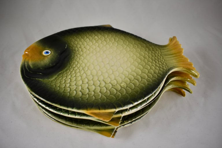 Mid-Century Modern Era Northern Italian Faïence Majolica Fish Service, Set of 7 In Good Condition For Sale In Philadelphia, PA