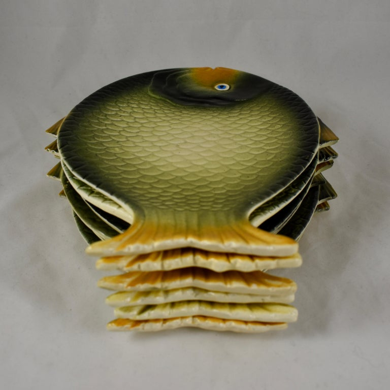 Earthenware Mid-Century Modern Era Northern Italian Faïence Majolica Fish Service, Set of 7 For Sale