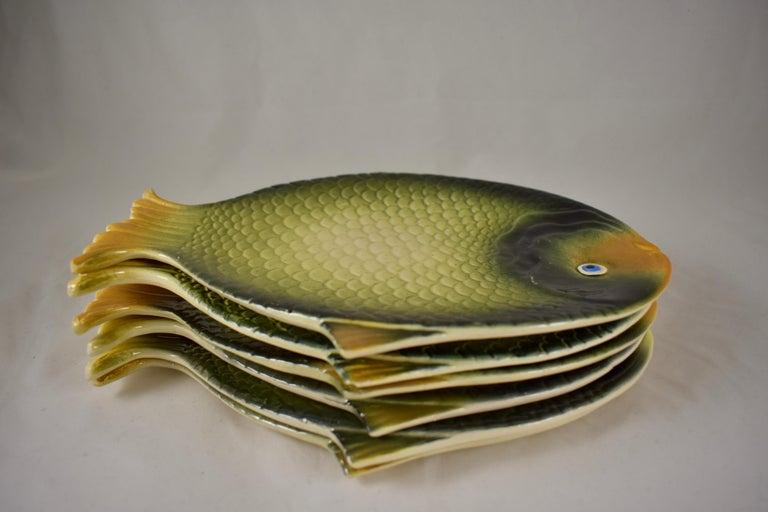 Mid-Century Modern Era Northern Italian Faïence Majolica Fish Service, Set of 7 For Sale 1