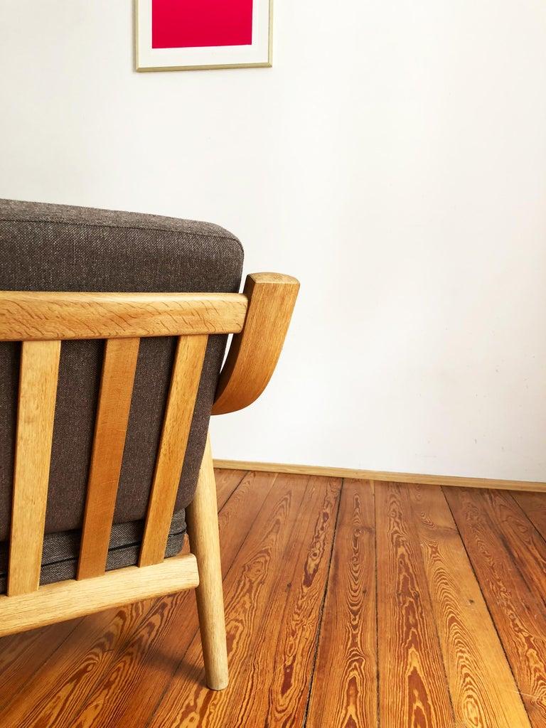 Fabric Midcentury Oak Sofa Model 530 by Hans Wegner for GETAMA For Sale