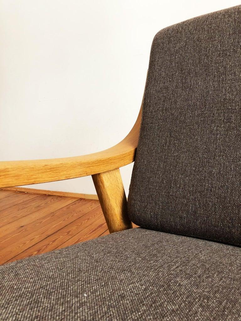 Midcentury Oak Sofa Model 530 by Hans Wegner for GETAMA For Sale 2