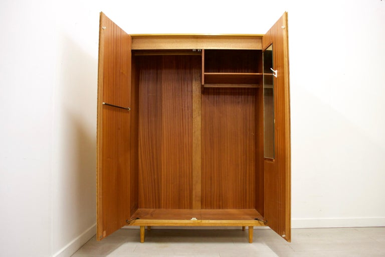 Midcentury Oak Wardrobe by John & Sylvia Reid for Stag, 1950s In Good Condition For Sale In South Shields, Tyne and Wear