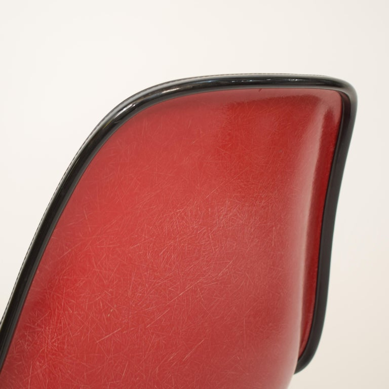 Midcentury Padded Red Side /Pedestal Chair by Eames by Vitra for Herman Miller For Sale 2