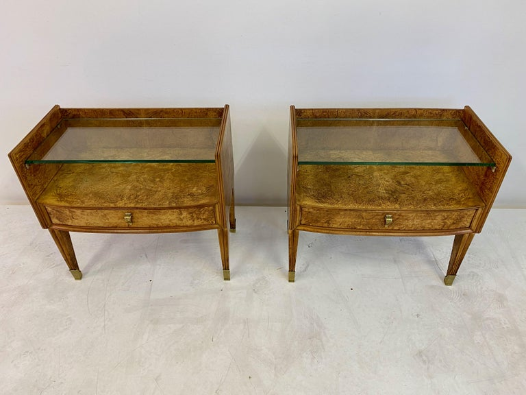 Midcentury Pair of 1950s Italian Bedside Tables in Burl Wood For Sale 5