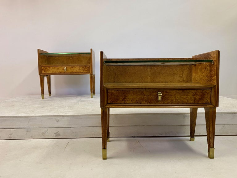 Midcentury Pair of 1950s Italian Bedside Tables in Burl Wood For Sale 7