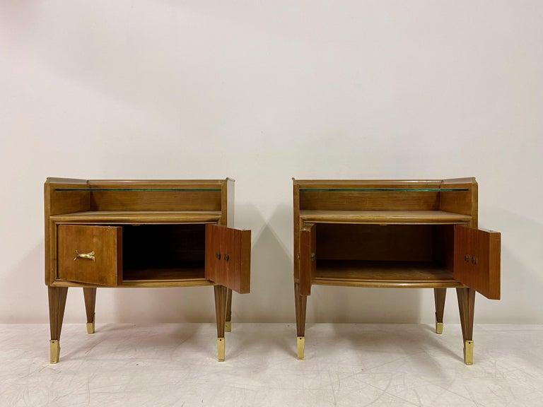 Midcentury Pair of 1950s Italian Bedside Tables or Nightstands in Burl Wood For Sale 4