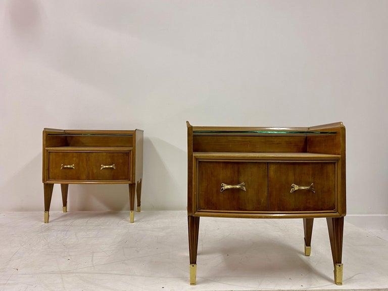 Midcentury Pair of 1950s Italian Bedside Tables or Nightstands in Burl Wood For Sale 2