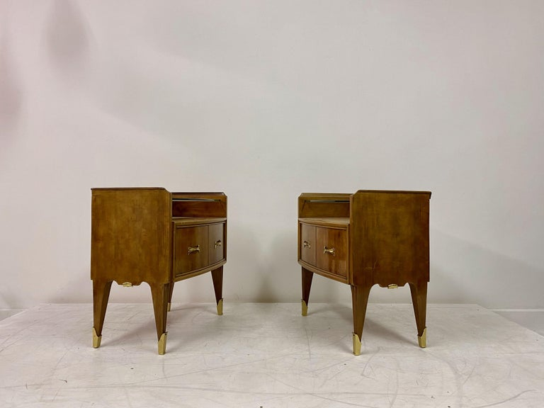 Midcentury Pair of 1950s Italian Bedside Tables or Nightstands in Burl Wood For Sale 3