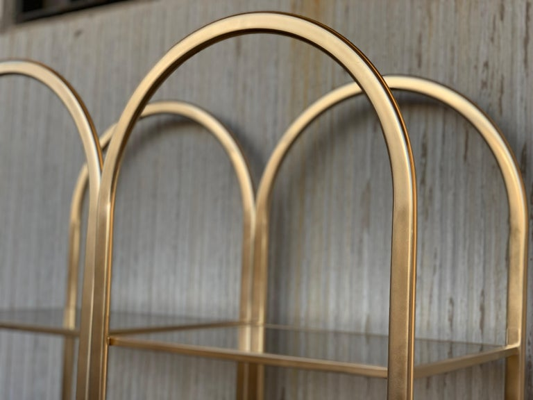 Midcentury Pair of Brass Shelves O Étagères with Smoked Glass In Good Condition For Sale In Miami, FL