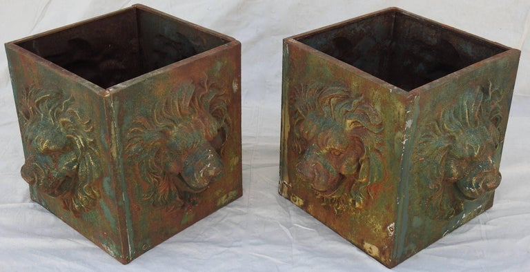 Midcentury Pair of Cast Iron Lions Head Planters In Distressed Condition For Sale In Cookeville, TN