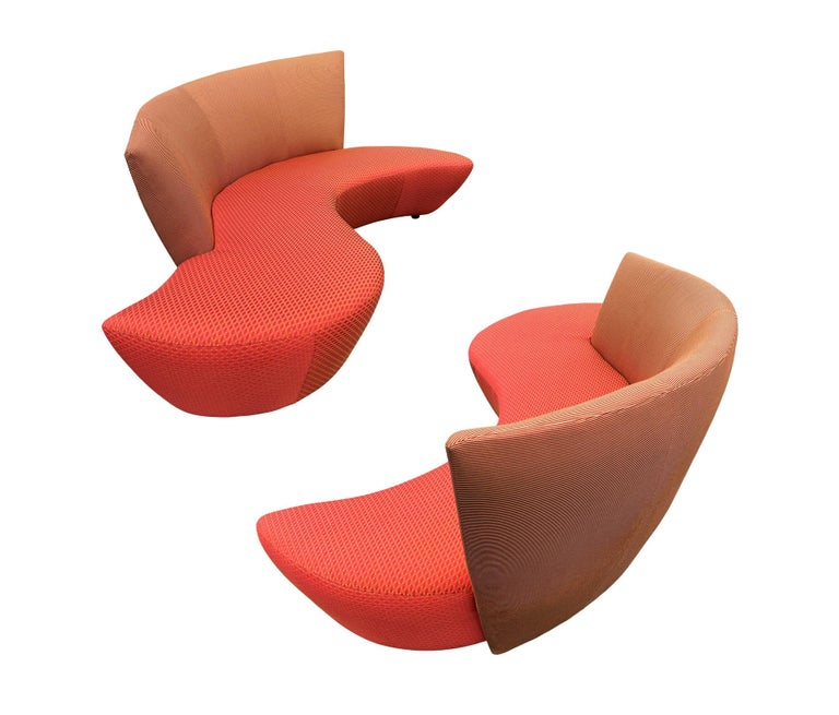 Midcentury Pair of Curved Serpentine Bilboa Sofas by Vladimir Kagan for Preview For Sale 4