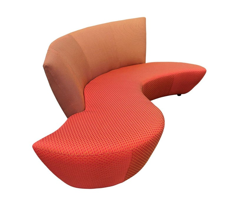 Late 20th Century Midcentury Pair of Curved Serpentine Bilboa Sofas by Vladimir Kagan for Preview For Sale