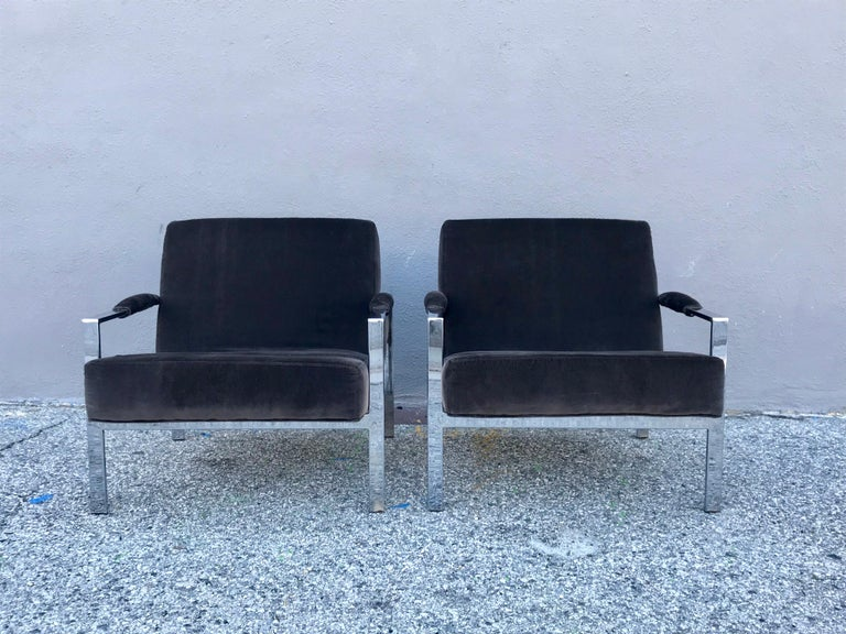 Midcentury Pair of Lounge Chairs and Cocktail Table For Sale 4