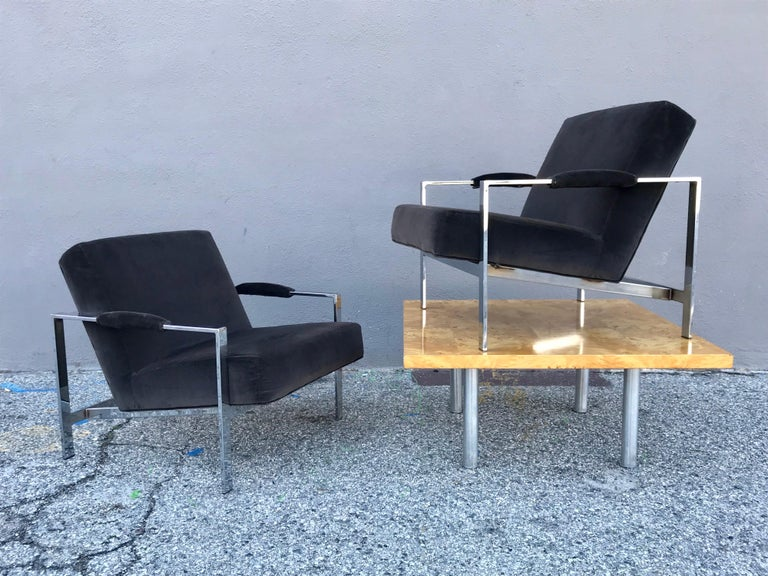 Midcentury Pair of Lounge Chairs and Cocktail Table For Sale 1