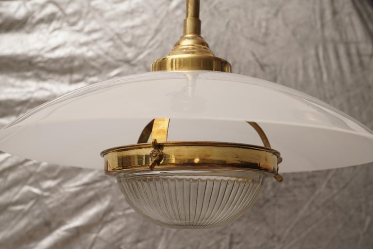 Midcentury Pair of Lucite, Brass and Glass Pendant Lights In Good Condition For Sale In Nantucket, MA