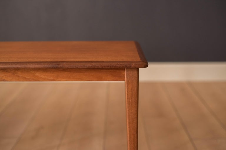 Mid Century Pair of Teak End Tables In Good Condition For Sale In San Jose, CA