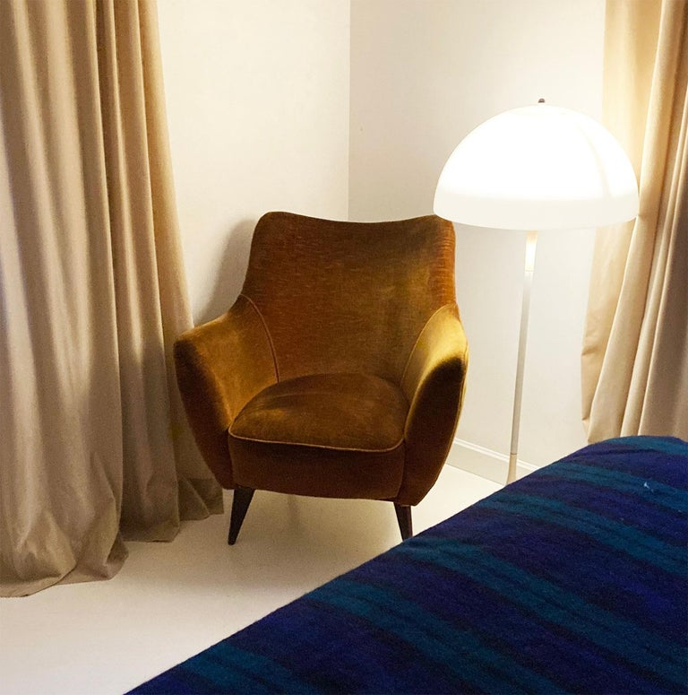 Mid Century Pair of Velvet 'PERLA' Armchairs by G. Veronesi for ISA, Italy 1950s For Sale 4