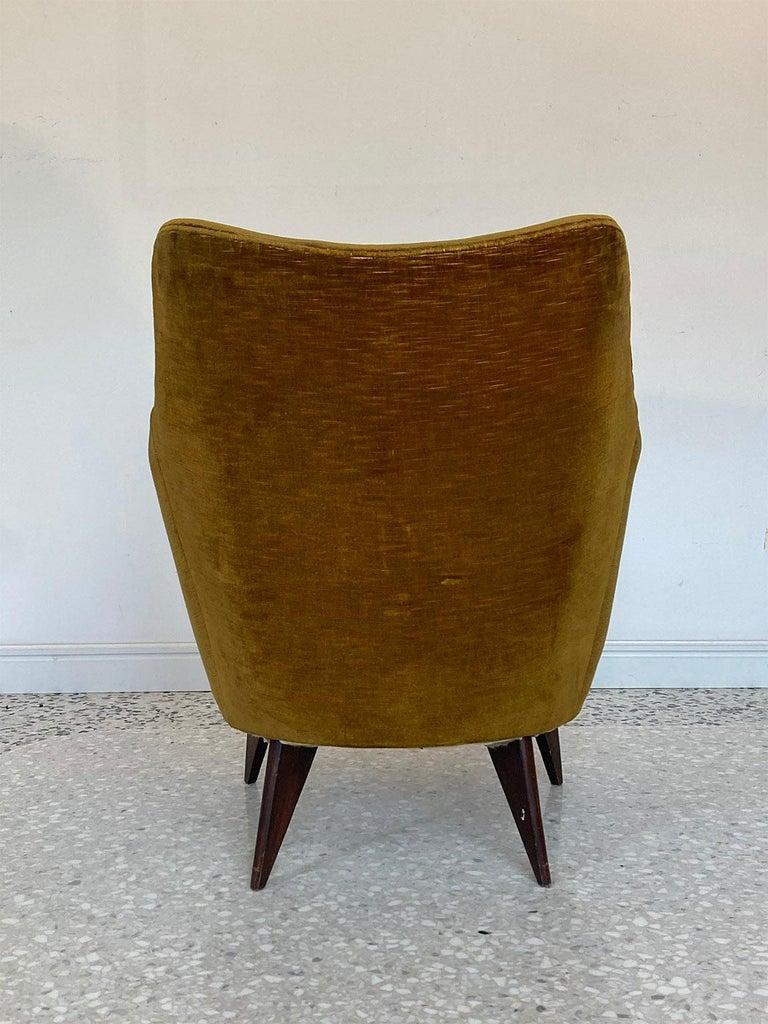 Mid-Century Modern Mid Century Pair of Velvet 'PERLA' Armchairs by G. Veronesi for ISA, Italy 1950s For Sale