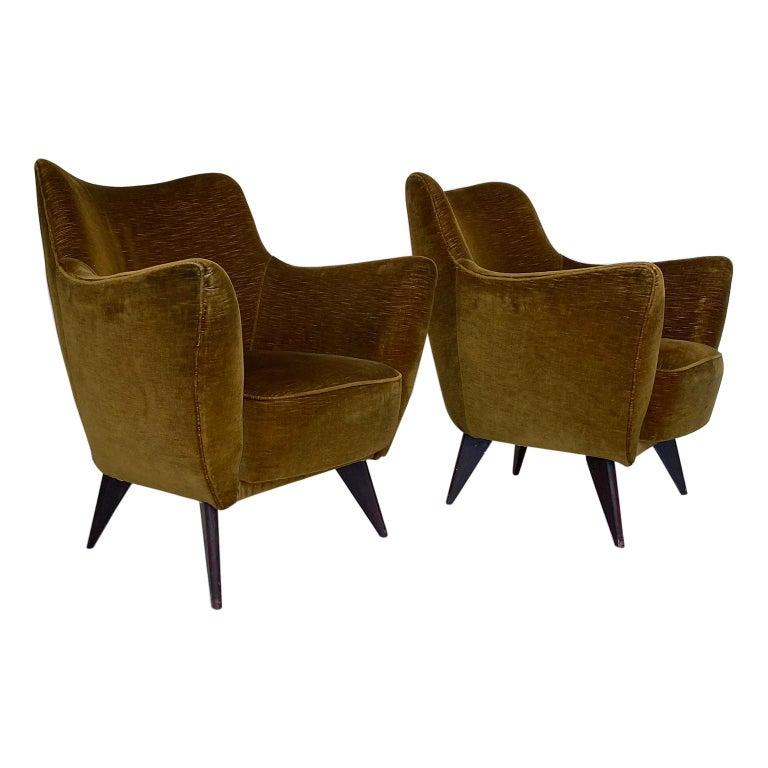 Mid Century Pair of Velvet 'PERLA' Armchairs by G. Veronesi for ISA, Italy 1950s For Sale