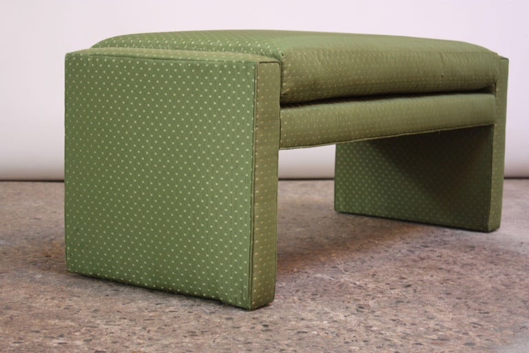1960s Parsons Bench by Milo Baughman for Thayer Coggin composed of a fully-upholstered frame with corresponding, fixed-cushion. Fabric appears to have been updated at least three times over the years and is in good, vintage condition.  Frame is