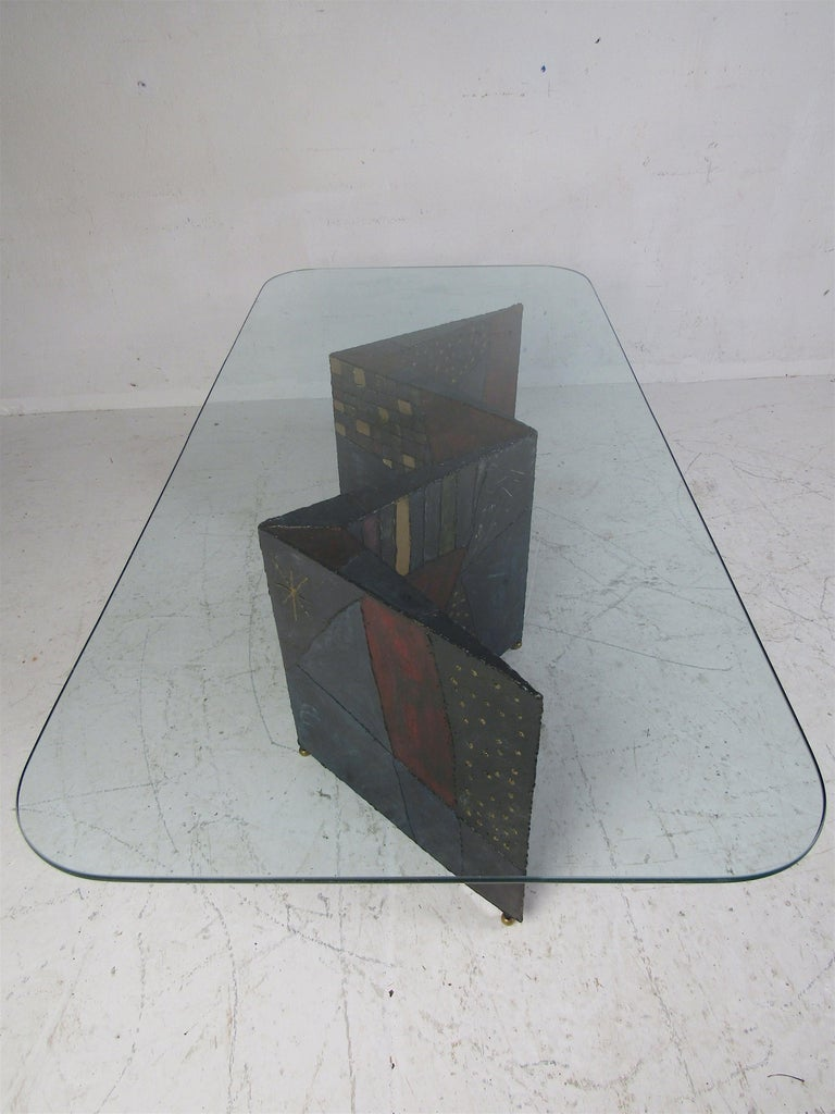 Midcentury Paul Evans Zig-Zag Welded Coffee Table In Good Condition For Sale In Brooklyn, NY
