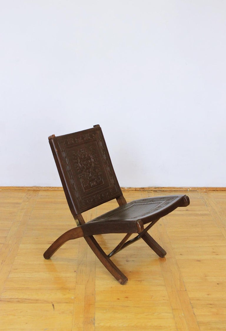 Hand-Crafted Midcentury Peruvian Tooled Leather Folding Chair, 1970 For Sale