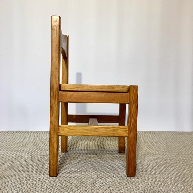 Midcentury Pine Chair by Ilmari Tapiovaara for Laukaan Puu Oy, Finland, 1960s In Good Condition For Sale In Riga, Latvia