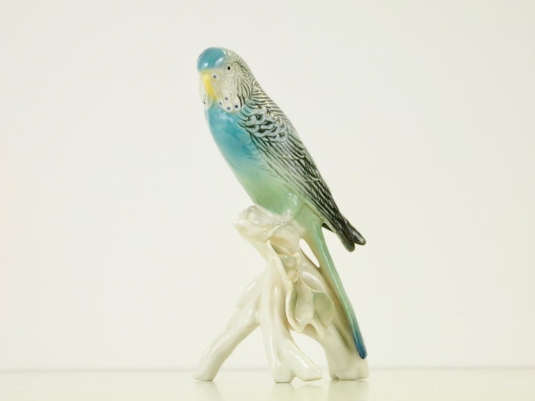 Midcentury Porcelain Figurine Depicting a Parrot by Porzellanfabrik Karl Ens For Sale 4