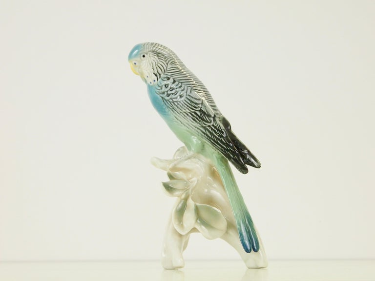 Midcentury Porcelain Figurine Depicting a Parrot by Porzellanfabrik Karl Ens For Sale 5
