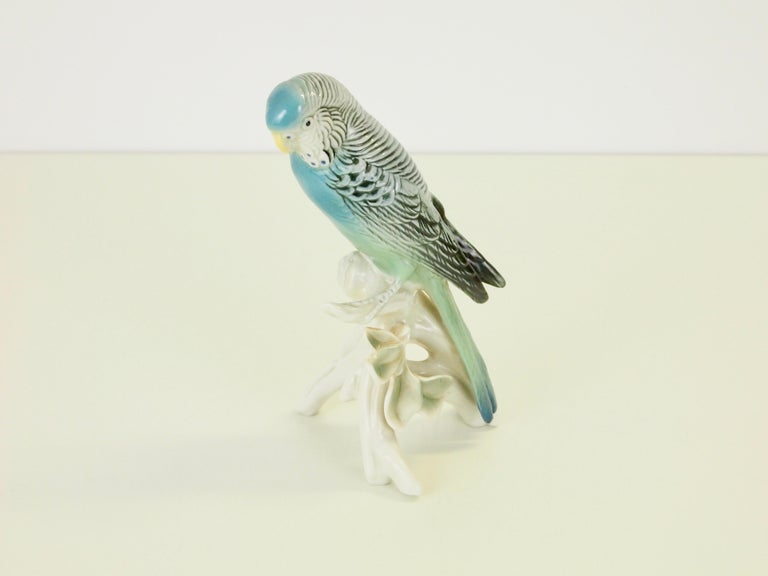 Hand-Painted Midcentury Porcelain Figurine Depicting a Parrot by Porzellanfabrik Karl Ens For Sale